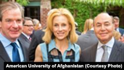 «ابوهدی فاروقی» (راست) مدیر اجرایی پیشین شرکت Anham از چهرههای شناخته شده در شهر واشنگتن است.