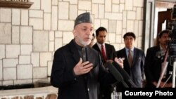 Presiden Afghanistan Hamid Karzai meminta pasukan keamanannya mengakhiri pelanggaran HAM (Foto: dok).