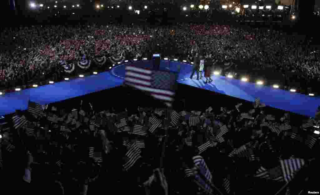 اوباما کے حامی جیت کی خوشی میں پرجوش