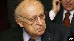 Turkiyaning besh karra bosh vaziri bo'lgan Sulaymon Demirel