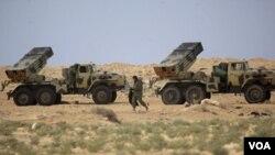 Un día antes, Naciones Unidas autorizó ataques militares para frenar al líder libio Moammar Gadhafi.