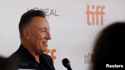 """Bruce Springsteen arrives for the world premiere of """"Western Stars"""" at the Toronto International Film Festival (TIFF) in Toronto, Ontario, Canada, September 12, 2019. REUTERS/Mario Anzuoni"""