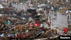 11月10日强台风海燕袭击菲律宾中部岛屿