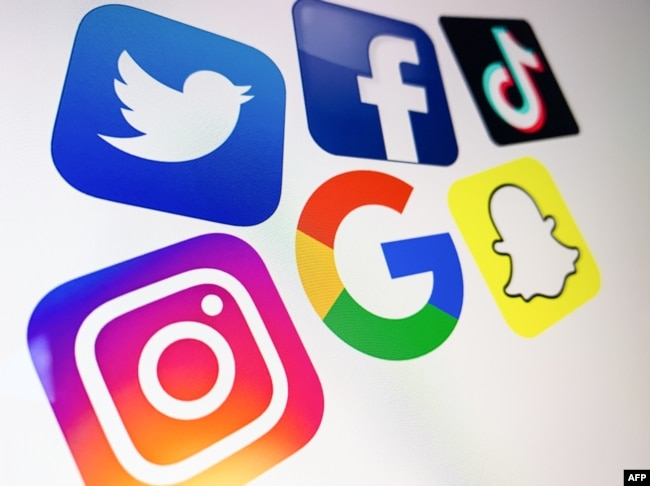 پاکستانی نوجوانوں میں سوشل میڈیا کا استعمال بڑھ رہا ہے۔