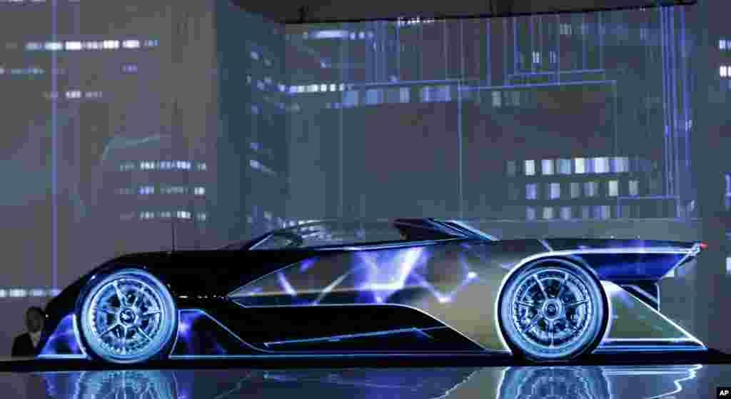 ឡាន FFZero1 របស់ក្រុមហ៊ុន Faraday Future ត្រូវបានដាក់តាំងបង្ហាញនៅព្រឹត្តិការណ៍ CES Unveiled ដែលជាព្រឹត្តិការណ៍បង្ហាញដល់សារព័ត៌មានរបស់ក្រុមហ៊ុន CES International នៅក្នុងក្រុង Las Vegas រដ្ឋ Navada កាលពីថ្ងៃទី៤ ខែមករា ឆ្នាំ២០១៦។