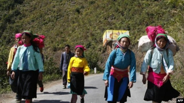 Người sắc tộc Hmong ở vùng cao nguyên tây bắc Việt Nam.