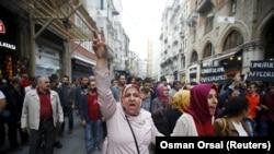 伊斯坦布爾民眾譴責襲擊