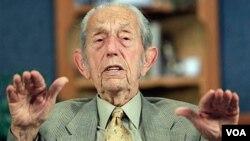 El ex ingeniero civil de 90 años sufrió una apoplejía al mes siguiente de su predicción anterior.