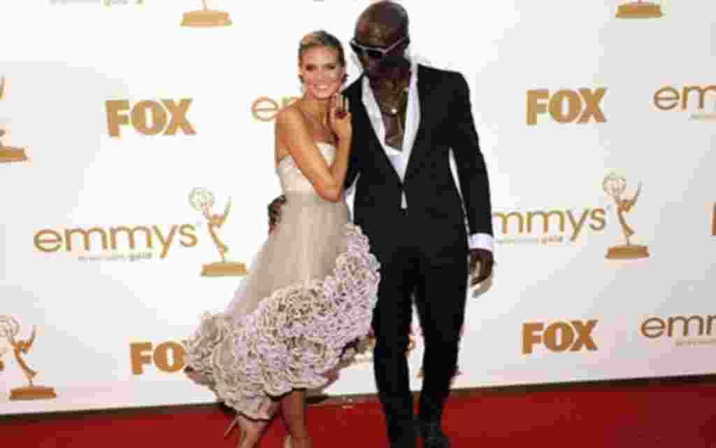 Relación: 7 años – La supermodelo Heidi Klum, conocida por su trabajo con Victoria's Secrets, en enero de 2012 anunció su divorcio del cantante Seal. La pareja tiene tres hijos en común y otro de ella.
