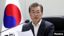 Tổng thống Hàn Quốc Moon Jae-in tại một phiên họp hội đồng an ninh quốc gia (ảnh tư liệu)