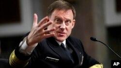 美国国家安全局局长迈克尔·罗杰斯海军上将2017年5月9日在国会作证