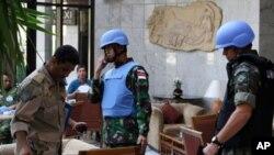 Các thành viên của phái bộ quan sát Liên hiệp quốc ở Damascus