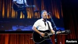 El concierto en washington D.C. se llevará a cabo el 29 de enero de 2016 en el Verizon Center como parte de su gira The River.