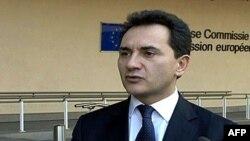 Potpredsednik vlade Srbije Božidar Đelić ispred sedišta Evropske komisije