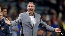 Bruce Arena renunció como entrenador de la selección masculina de fútbol de EE.UU., tras el fracaso en las eliminatorias para el Mundial Rusia 2018.