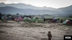 Frustration Builds Among Refugees Trapped at Macedonian Border