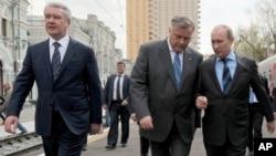 Сергей Собянин, Владимир Якунин и Владимир Путин. Москва, Россия. 26 апреля 2012 г.
