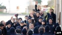 Türkiyə məhkəməsi həbs edilmiş jurnalistin kitabının müsadirə edilməsi haqda qərar çıxarıb