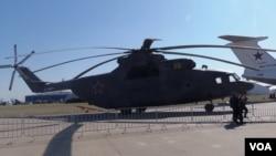 2015年莫斯科航展上的米-26直升機。(美國之音白樺拍攝)