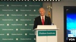 联邦参议员斯科特(Sen. Rick Scott, R-FL)2020年2月28日在哈德逊研究所发表演说。(美国之音记者李逸华拍摄)