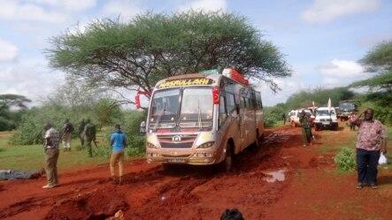 د کینیا امنیتي ځواکونو د پېښې سیمه کلابنده کړې ده .