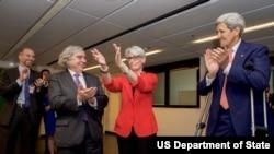 تقدیر وندی شرمن معاون وزارت خارجه آمریکا از اعضای تیم مذاکره کننده آمریکا در مذاکرات هسته ای با ایران در وین - ۱۴ ژوئیه ۲۰۱۵