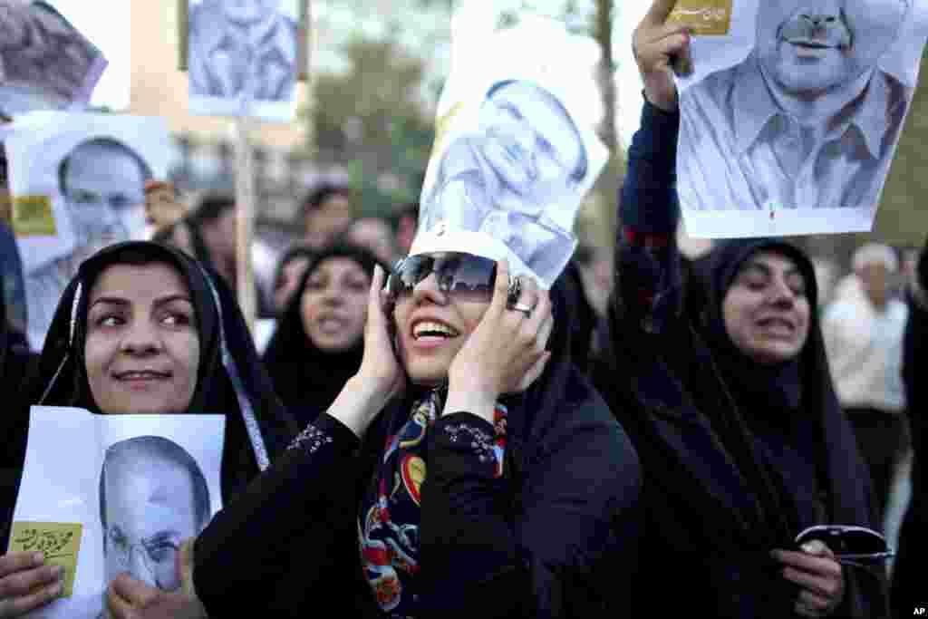 Pristalice predsedničkog kandidata i gradonačelnika Teherana, Mohameda Baghrija Kalibafa na predizbornom skupu u iranskoj prestonici, 5. juna 2013.