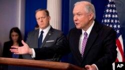El secretario del departamento de Justicia, Jeff Sessions mencionó el caso de varios inmigrantes indocumentados que cometieron crímenes y que fueron puestos en libertad.