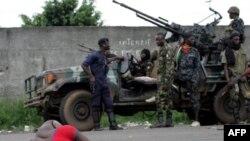 Lực lượng ủng hộ ông Ouattara trong thành phố Abidjan