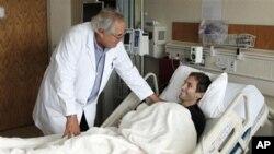 اهدای خون خانواده افغان به قربانیان حادثه یازدهم سپتمبر