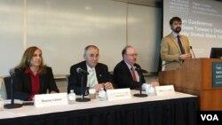 喬治華盛頓亞洲研究中心專家討論台灣安全防衛與美國政策(美國之音鍾辰芳拍攝)