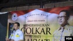 Launching Buku Mengembalikan Golkar ke Hati Rakyat karya Ahmad Doli Kunia di Jakarta, Minggu (8/5). (VOA/Fathiyah Wardah)