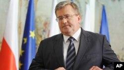 波兰任总统科莫罗夫斯基