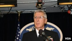 Chỉ huy Bộ Tư lệnh Thái Bình Dương Hoa Kỳ , Đô đốc Samuel Locklear nói rằng cho tới giờ các nước Đông Nam Á, kể cả Việt Nam và Philippines, có rất ít thành quả trong việc ứng phó hữu hiệu hành động của Trung Quốc
