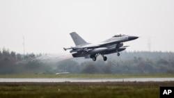 덴마크 공군 소속 F-16 전투기. (자료사진)