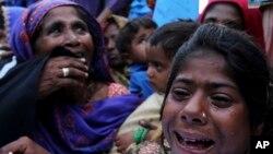 بھارت میں قید پاکستانی ماہی گیروں کے اہل خانہ کراچی میں احتجاج کر رہے ہیں۔ فائل فوٹو