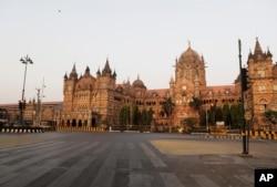 Chhatrapati Shivaji Maharaj Train Terminus wears a deserted look in Mumbai, India, Tuesday, March 24, 2020.