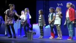 Ось чому для України актуальна класична Бродвейська вистава про дівчинку-сироту. Відео