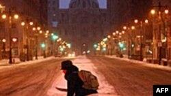 Peta snežna mećava na istoku SAD