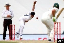 بھارت کی جانب سے محمد سراج نے پانچ وکٹیں حاصل کیں۔