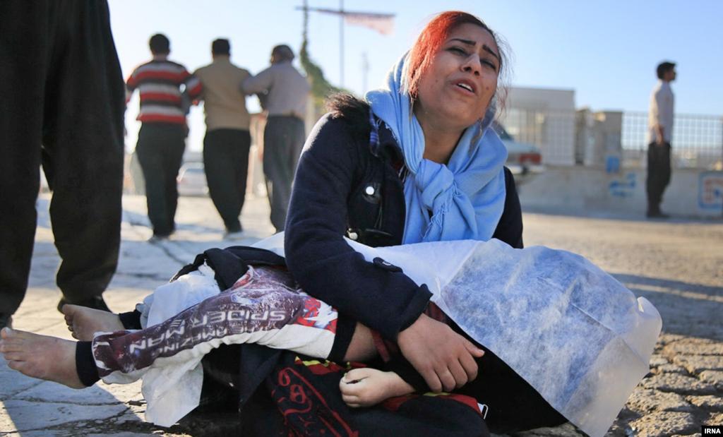 جانباختگان و مصدومان زلزله در سرپل ذهاب عکس: سید مصلح پیر خضرانیان