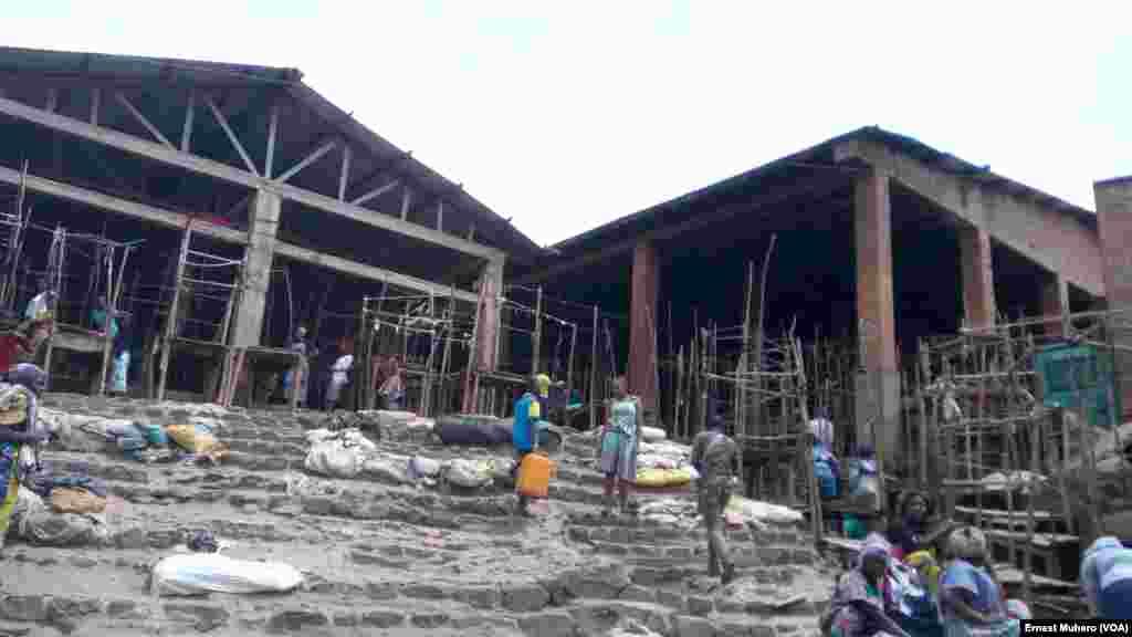 Le grand marché de Kadutu est vide, à Bukavu, le 2 août 2017. (VOA/Ernest Muhero)