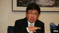 民进党国际事务部主任刘世忠。(美国之音 钟辰芳拍摄)