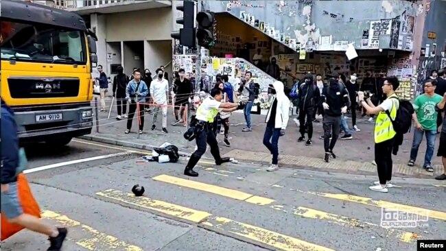 美国政府谴责香港各方暴力 呼吁警方和抗议者保持克制