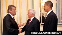 Сенатор Ричард Луґар та сенатор Барак Обама під час зустрічі з президентом України Віктором Ющенком, 2005 рік