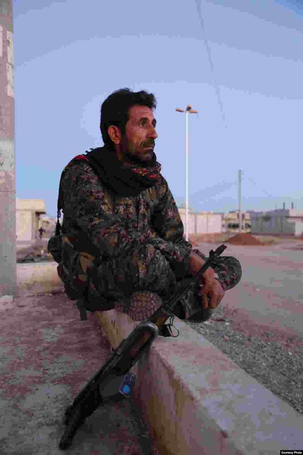 A field commander from the People's Protection Units in Kobani, Syria, Oct. 22, 2014. (Shirwan Qasim / Transterra Media)