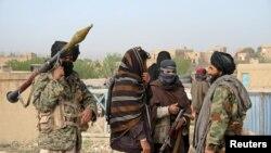گروهی از پیکارجویان طالبان