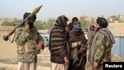 资料:阿富汗加兹尼省的塔利班武装分子