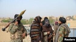 Chiến binh Taliban tại tỉnh Ghazni, Afghanistan.