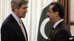 Sakataren harkokin wajen Amirka John Kerry,a hagui.